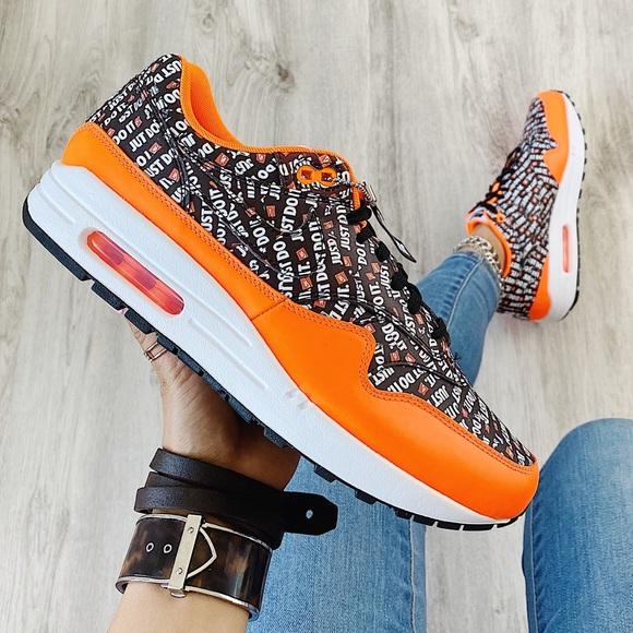Nike Shoes - Nike air max 1 sneaker